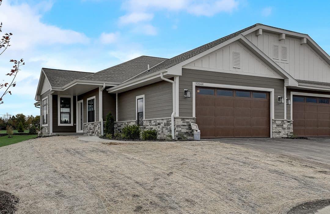 condos for sale in sussex wi